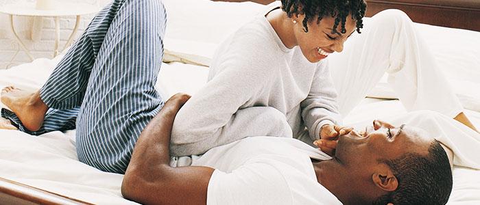 couple-heureux-Candida-albicans-les-gestes-importants-apres-lamour