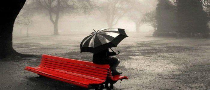 femme-seule-pensant-comment-remedier-a-la-candidose