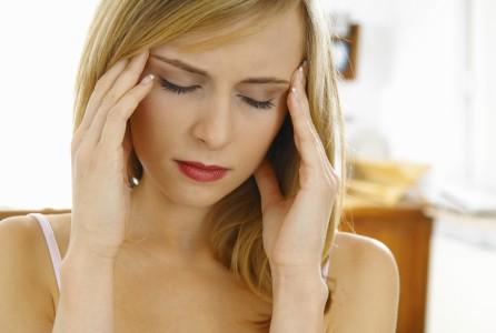 Le mal de tête fait partie des nombreux symptômes indirects issus de la propagation de la candidose digestive dans l'organisme.