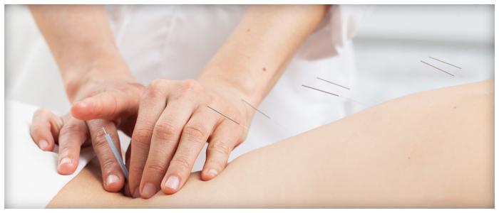 femme-soigante-Traitement-de-la-candidose-irrigation-colonique-ou-hydrotherapie-du-colon